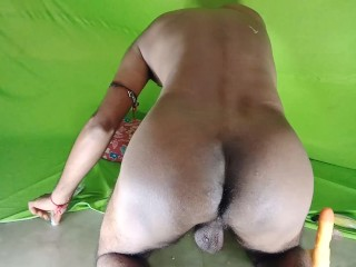 Amature Boy Gives Cumshort & Playing Ass with Big Dildo