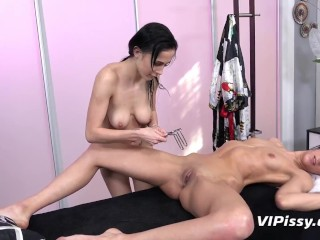 Massage Time Turns To Pissy Lesbian Session