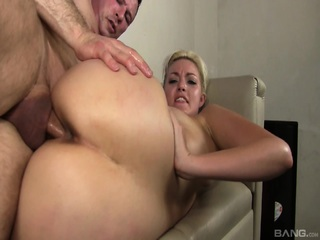 Jenna Ivory Has Her Bubble Butt Oiled Up Good