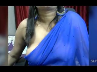 Desi indian bbw bhabhi Sanchita in blue saree playing with boobs part 2